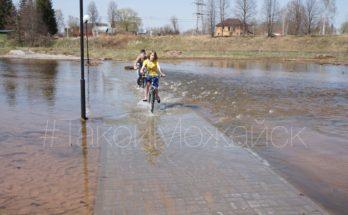 """В Можайске затопило парк """"Ривьера"""": вынужденная необходимость или халатность?"""