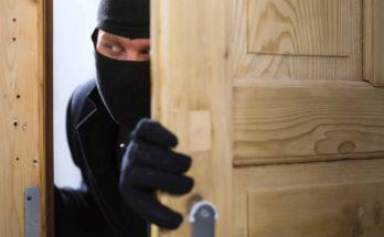 В Уваровке из частного дома неизвестные похитили 2 млн рублей