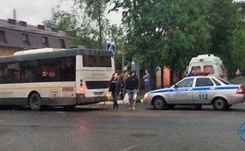Рейсовый автобус Можайск-Бобынино протаранил Ладу Гранта